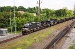 NS 4136 on empty gon train 60N